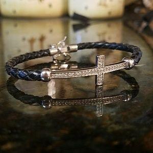 Jewelry - ❤Sideways Cross Bracelet